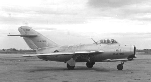 MIG15defected01.jpg (14597 bytes)